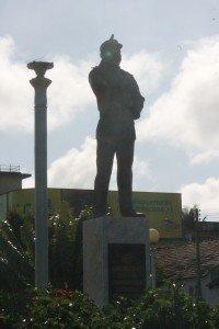 Statue de Samora Machel, premier président mozambicain, symbole de l'indépendance dont la statue est présente dans toutes les capitales de province.