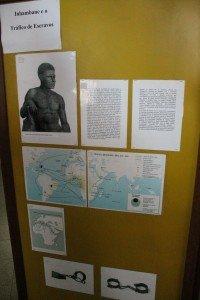 L'un des panneaux de l'exposition permanente du musée de la civilisation d'Inhambane, racontant l'histoire de l'esclavage dans la région.